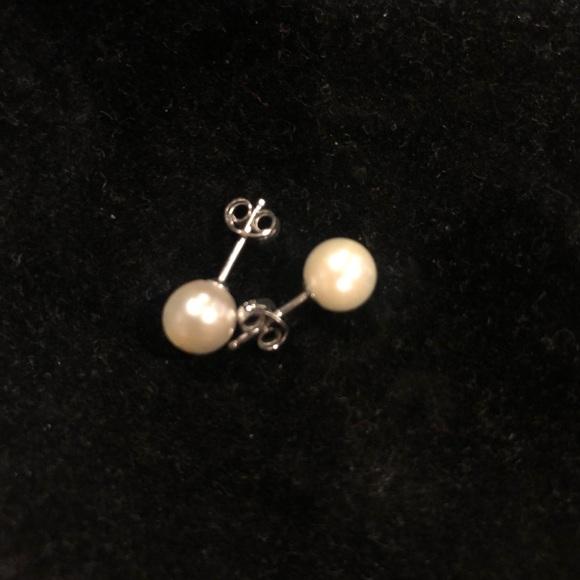 Shadora Jewelry - Fresh Water Pearl Studs